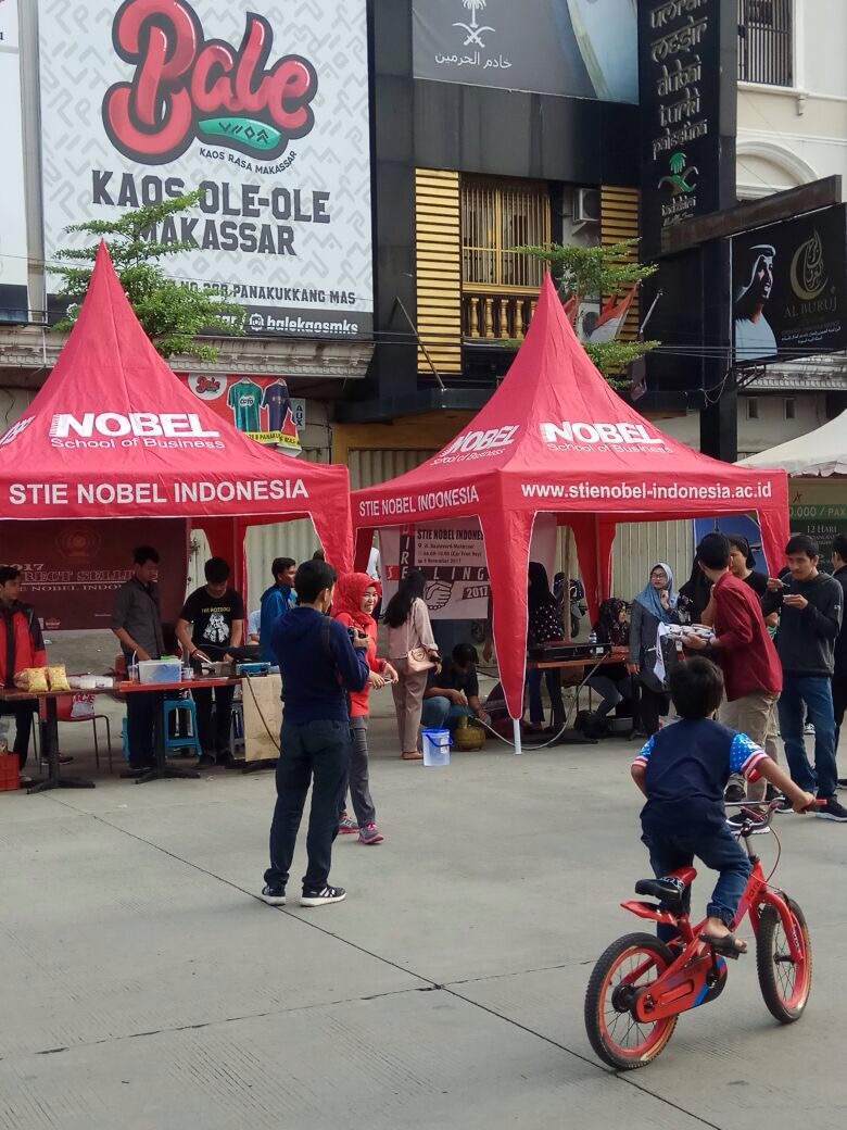 Car Free Day Boulevard, Mahasiswa Praktek Direct Selling